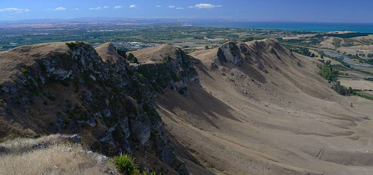 te-maka-mountain-pano