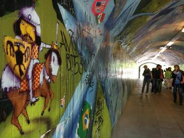 graffiti-tunnel